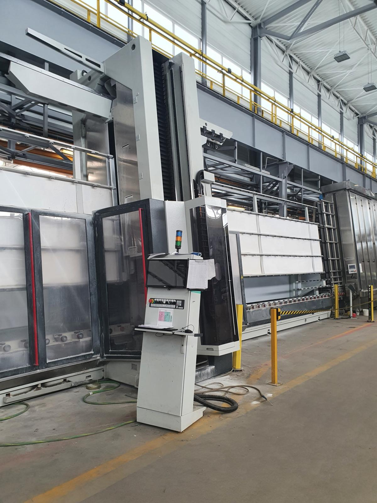 VERTMAX - maszyna do obróbki szkła